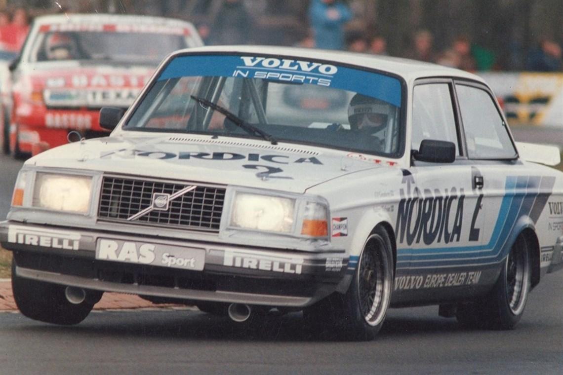 Volvo 242 Flying Brick