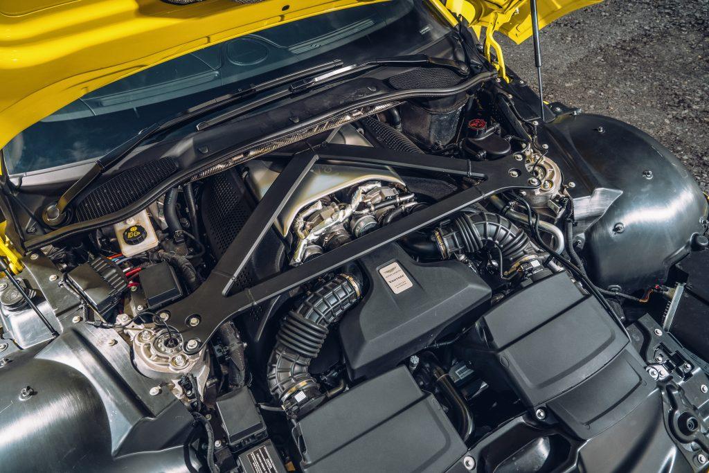 Aston Martin Vantage motor