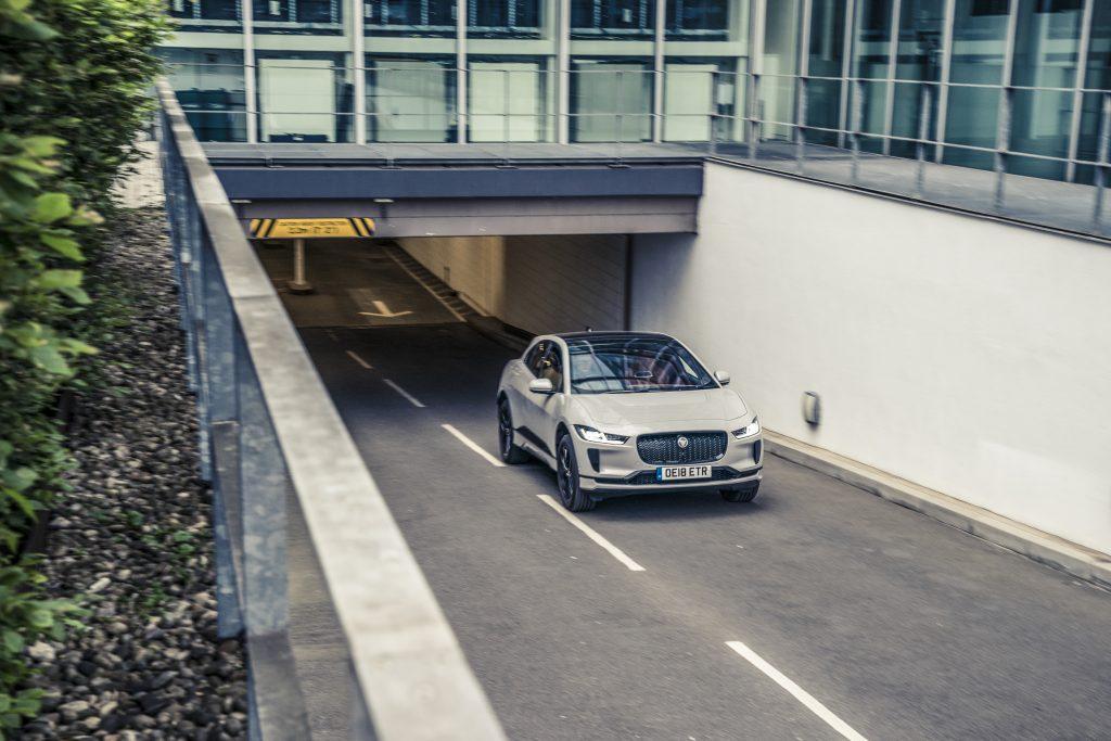 Jaguar I-Pace Tunnel