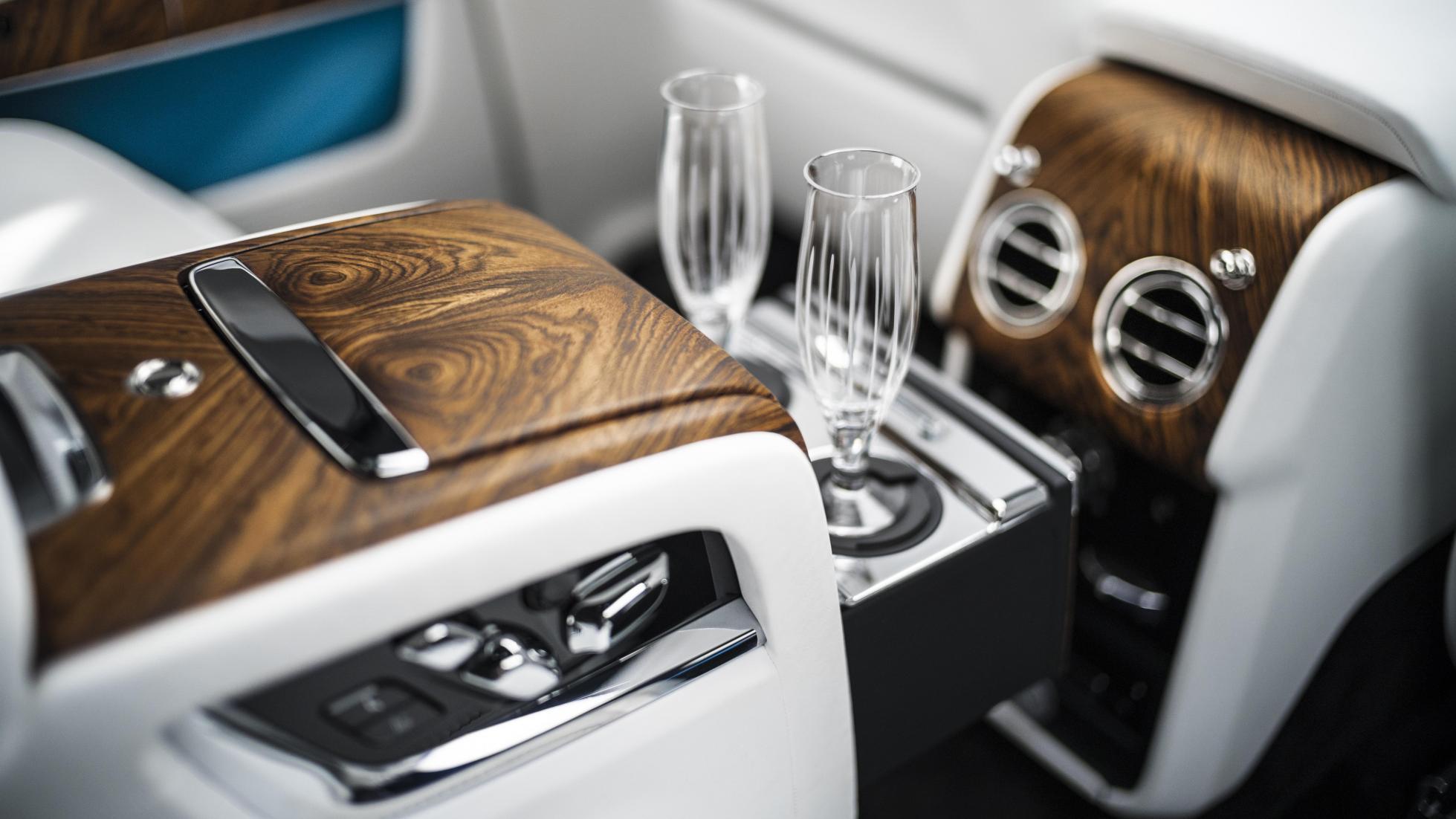 Rolls-Royce Cullinan interieur 1e rij-indruk