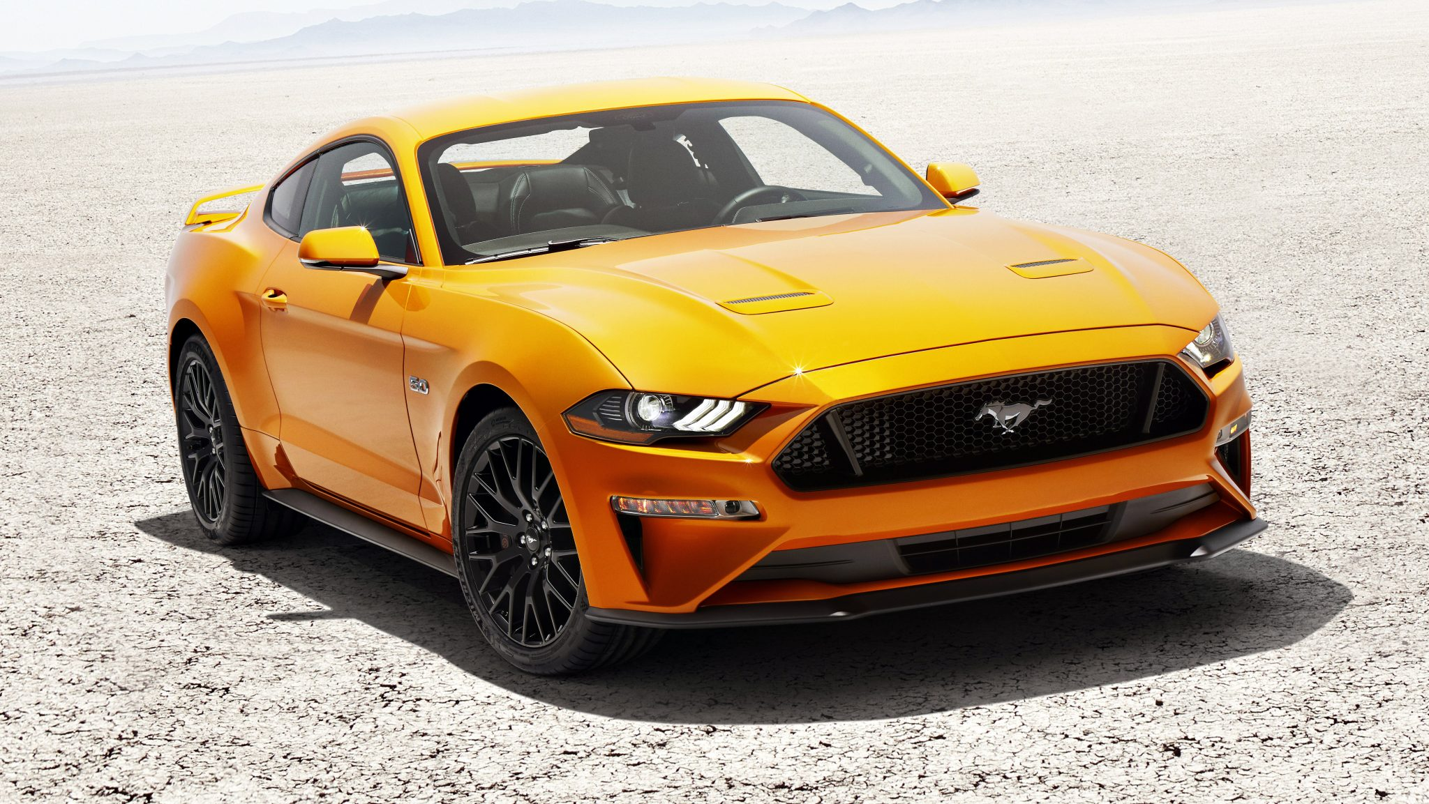 Ford Mustang GT V8 orange Fury