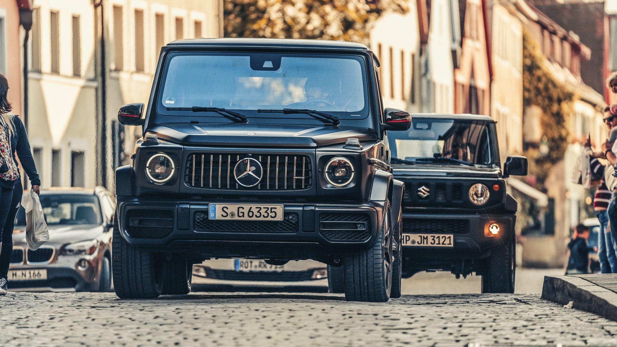 Mercedes-AMG G 63 en de Suzuki Jimny