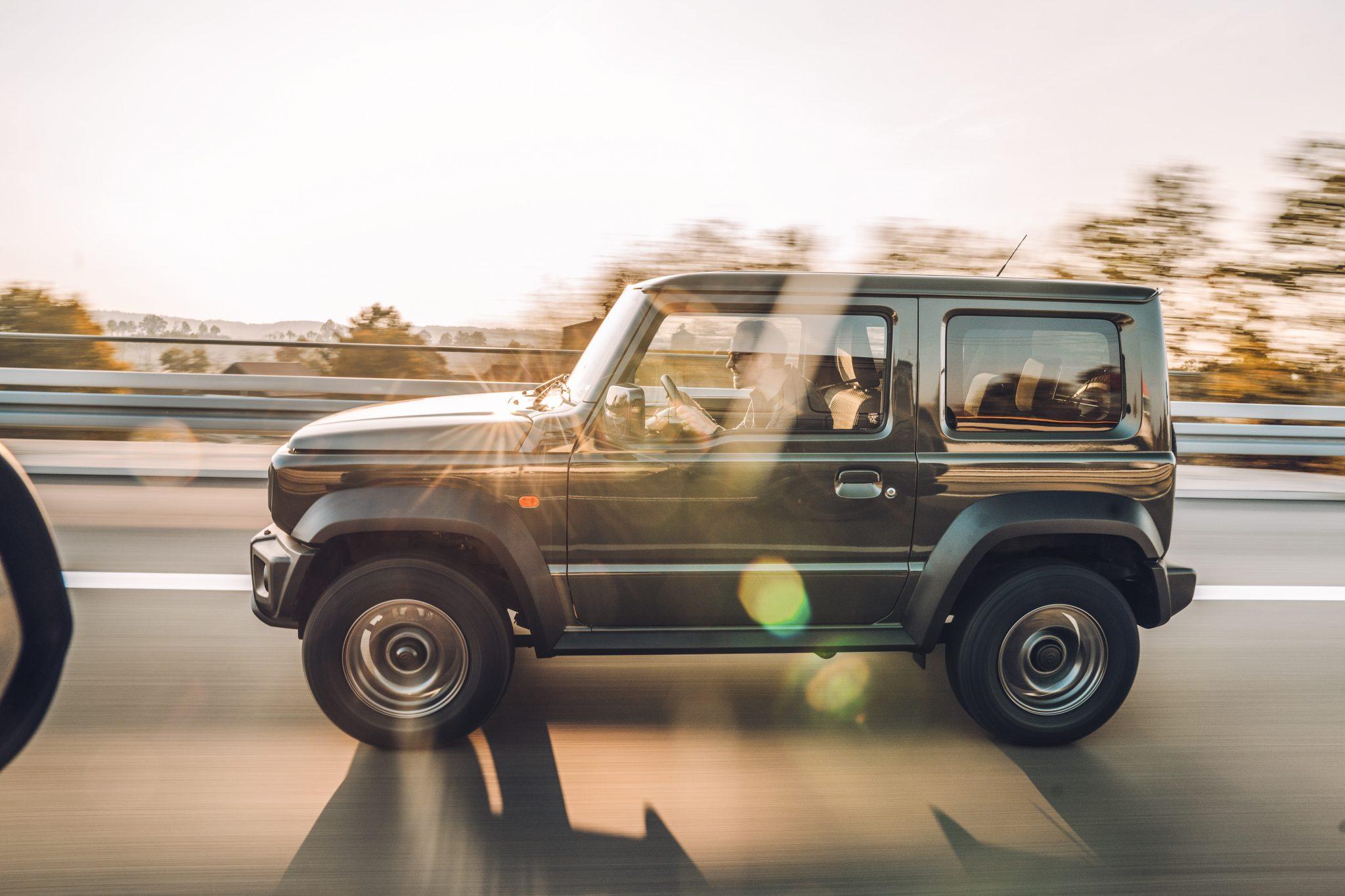 Suzuki Jimny op de Autobahn