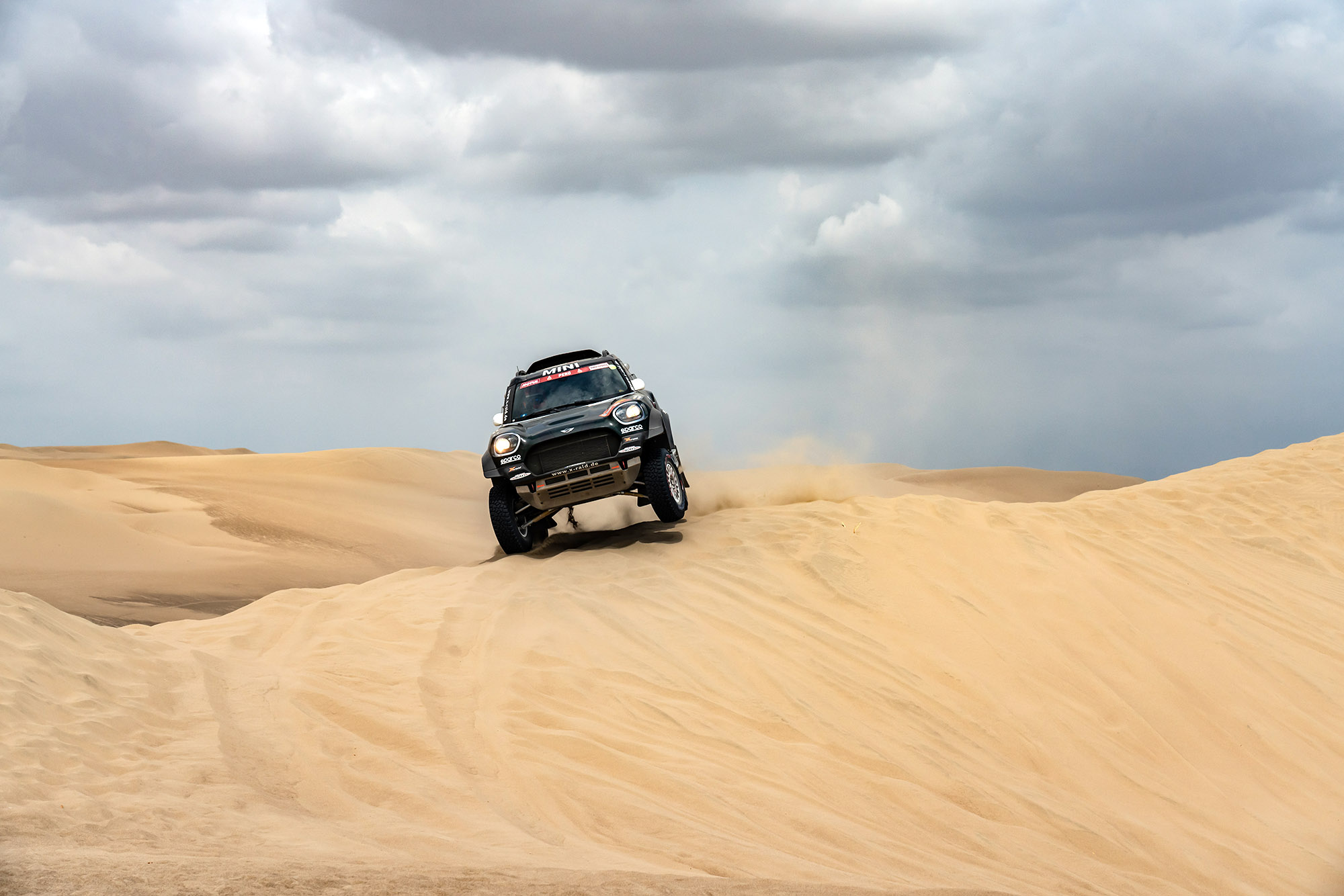 TopGear Magazine 165 inhoud: Mini Countryman Dakar 2019