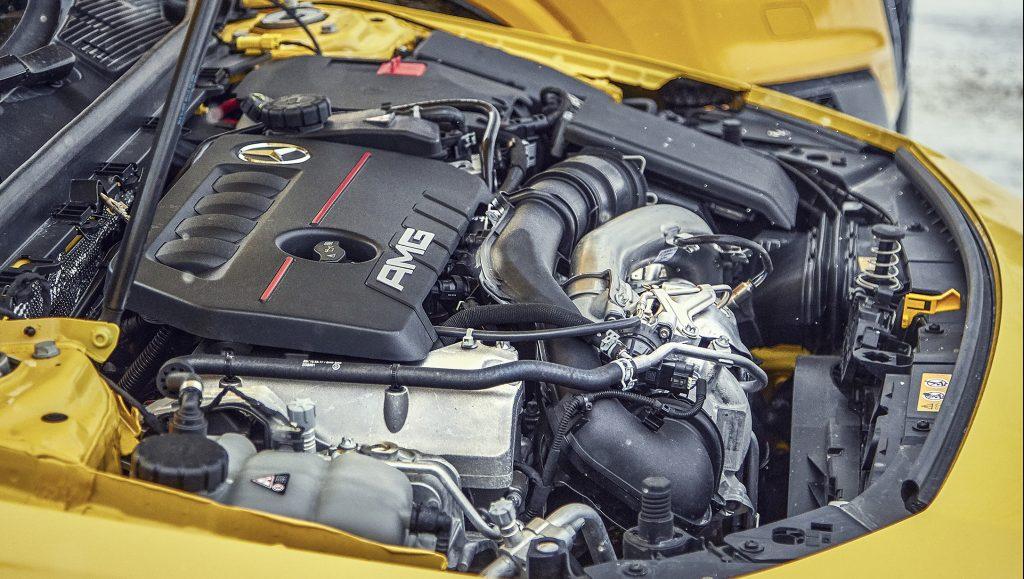 Audi SQ2 vs Mercedes-AMG A 35