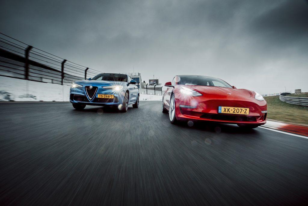 Alfa Romeo Stelvio Quadrifoglio vs Tesla Model 3