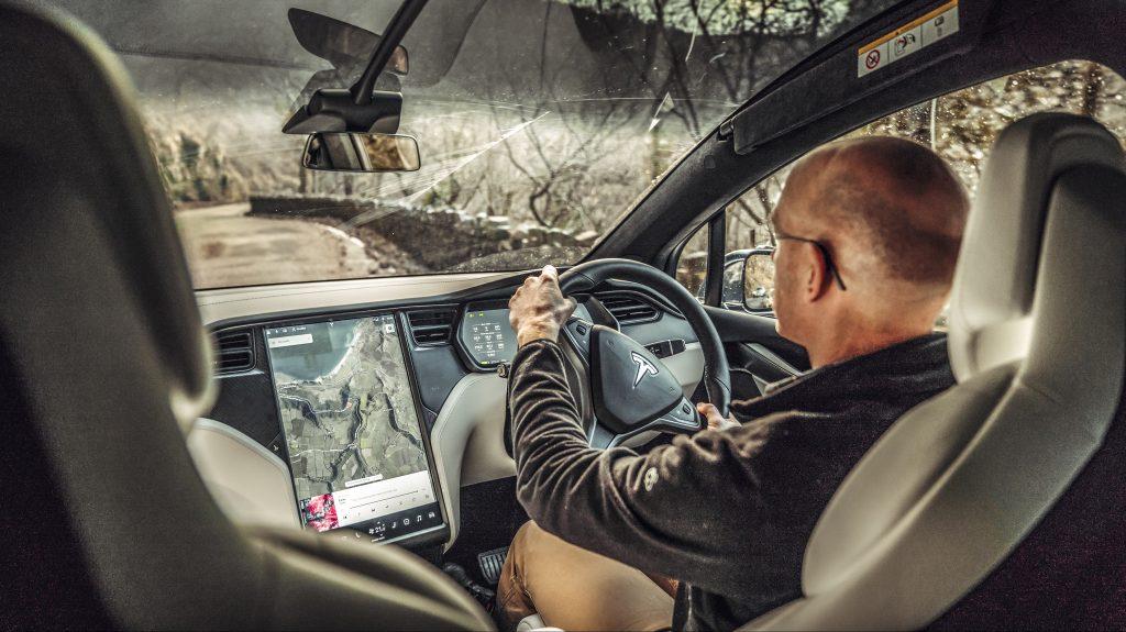 Tesla Model X 100d interieur dashboard - Elektrische gezinsautos