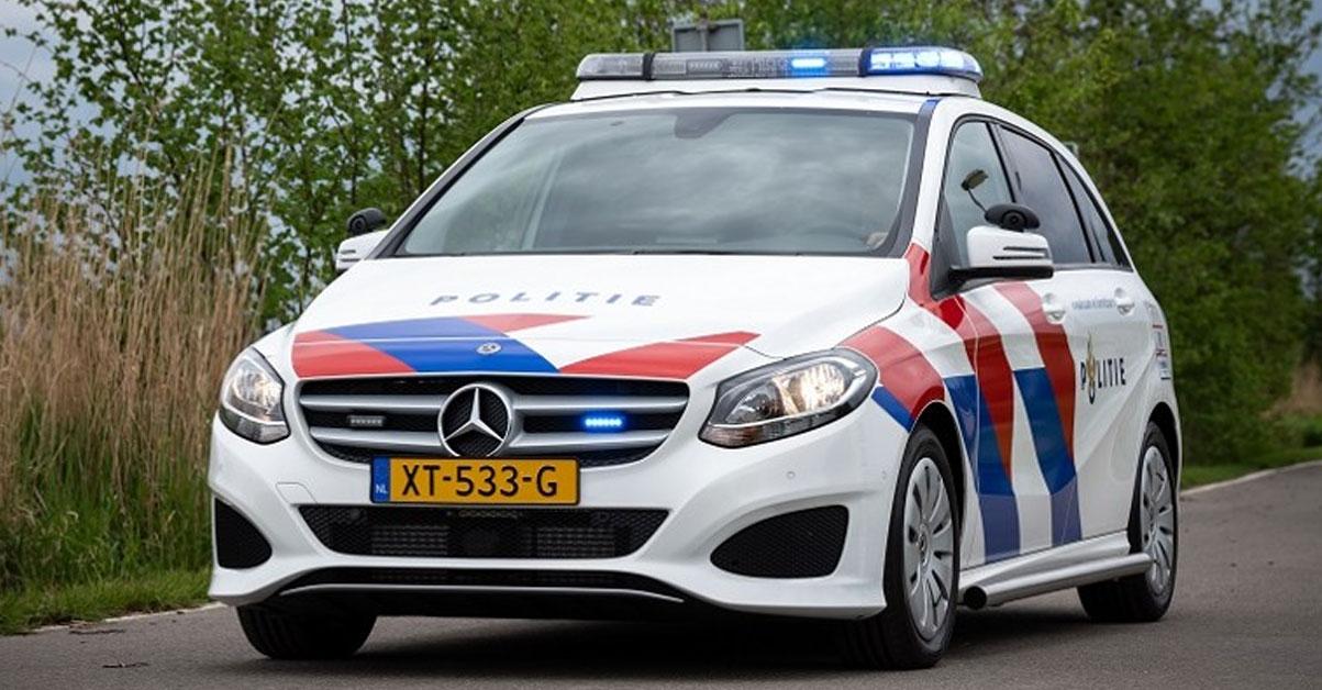 Mercedes van de politie nu al aangepast