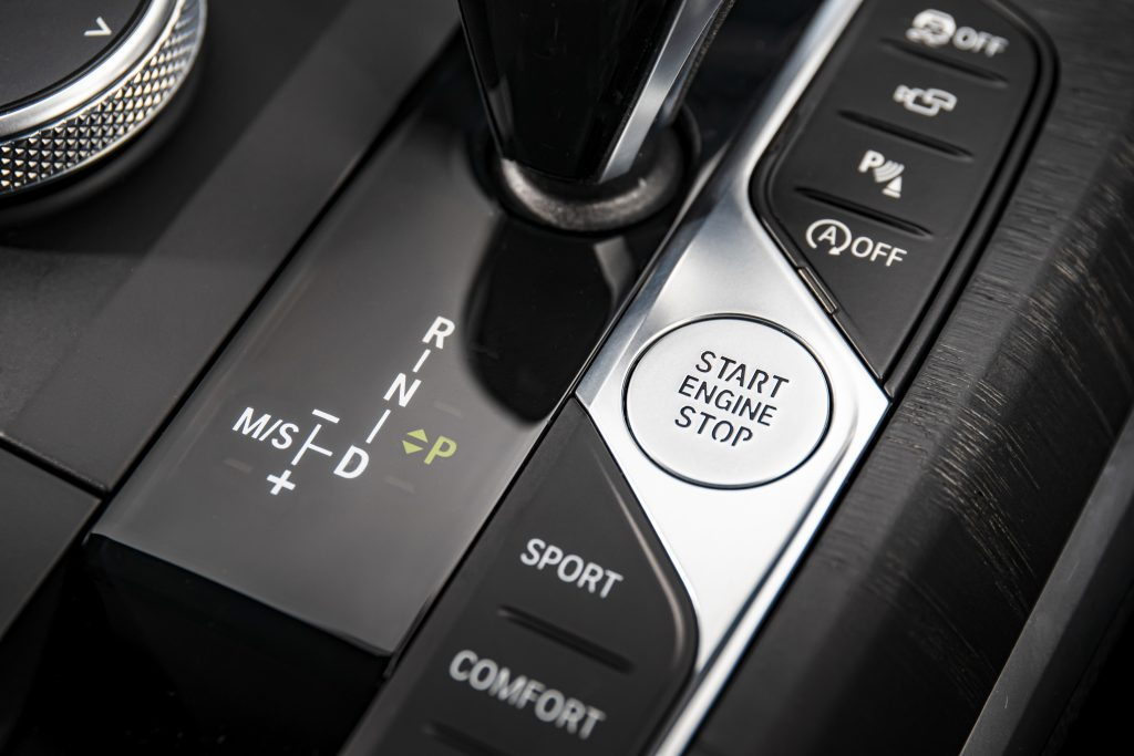 BMW 330i M Sport schakelpook