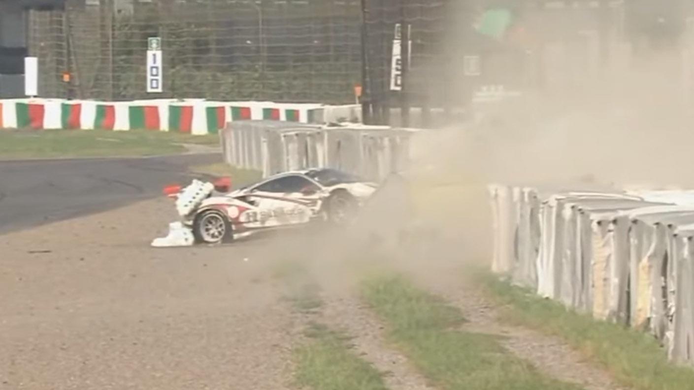 Ferrari 488 GT3 crasht hard