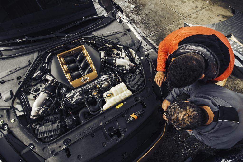 Nissan GT-R50 onder de motorkap