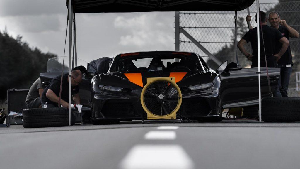 Bugatti Chiron engineers