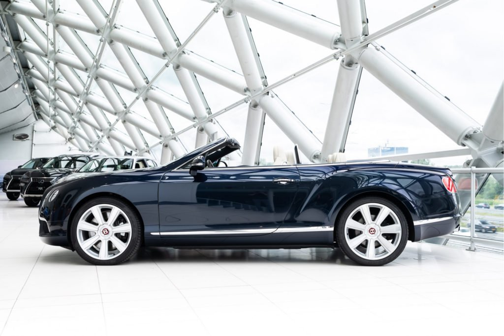 Bentley Continental GTC @ Louwman Exclusive
