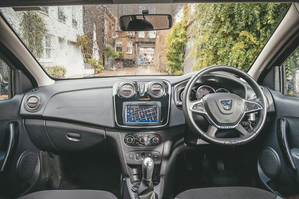 Dacia Sandero interieur dashboard