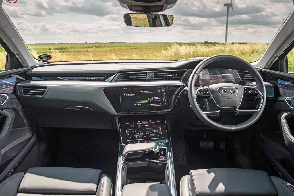 Audi E-Tron 55 Quattro Advanced interieur dashboard