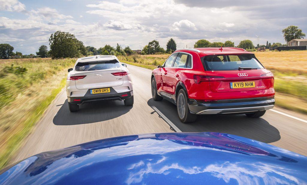 Audi E-Tron vs Jaguar I-Pace vs Mercedes EQC rijders achter