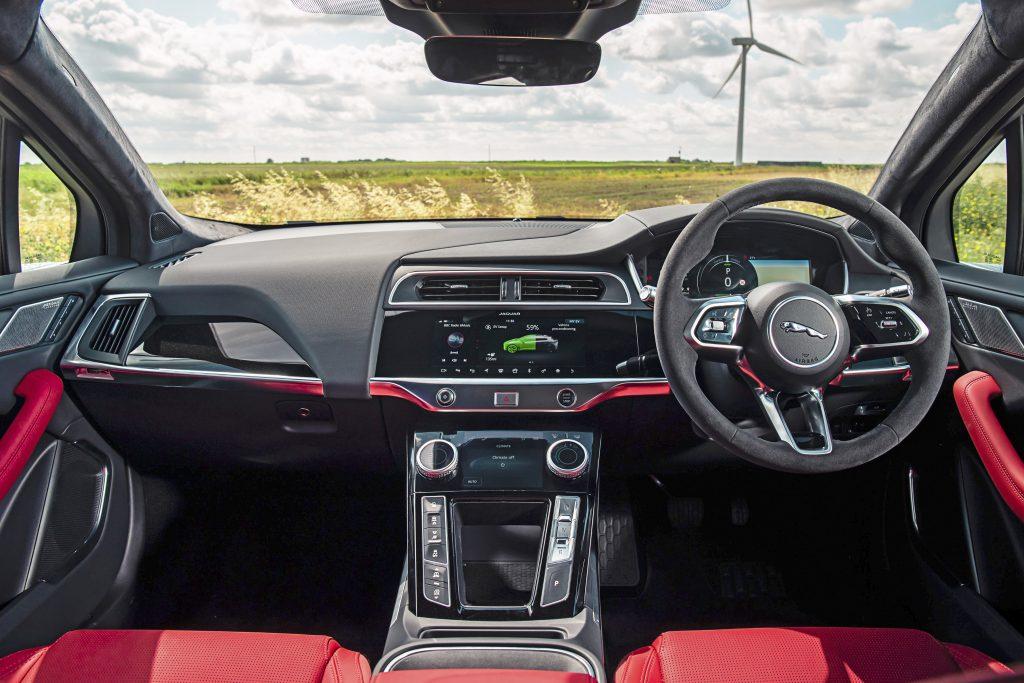Jaguar I-Pace EV400 interieur dashboard