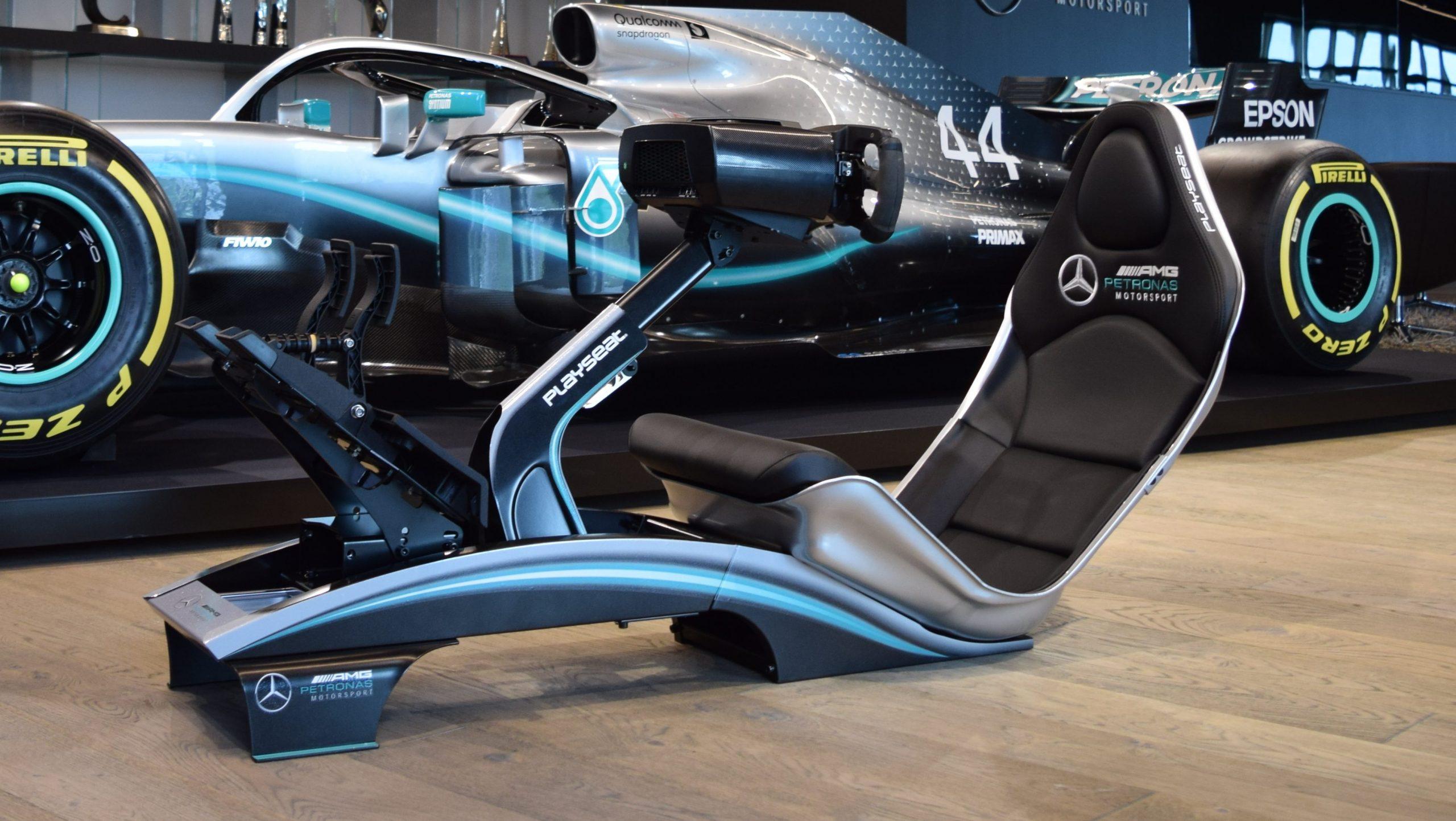De Playseat Mercedes F1 ontbrak nog in je mancave TopGear