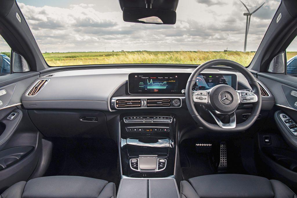 Mercedes EQC 400 4 Matic AMG Line interieur dashboard