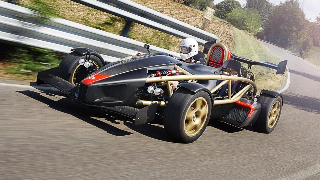 Ariel Atom V8 rijder 3 4 voor