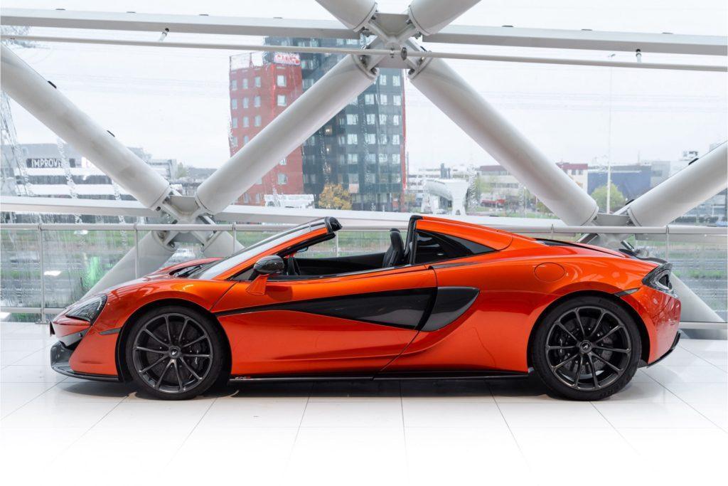 McLaren 570 S Spider recht zij