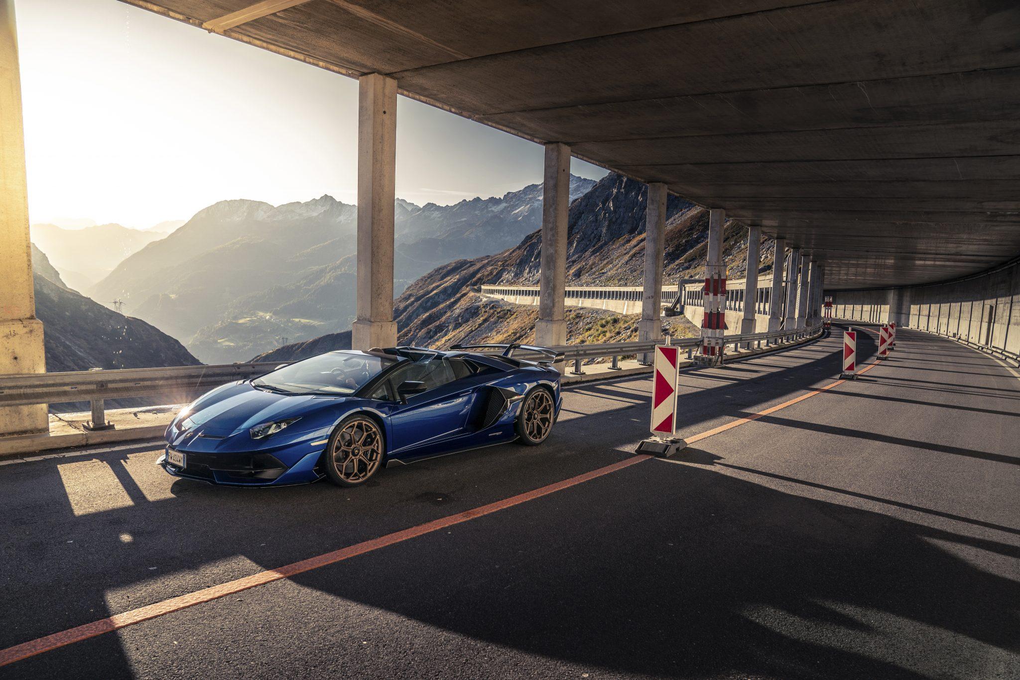 Lamborghini Aventador SVJ Roadster roadtrip