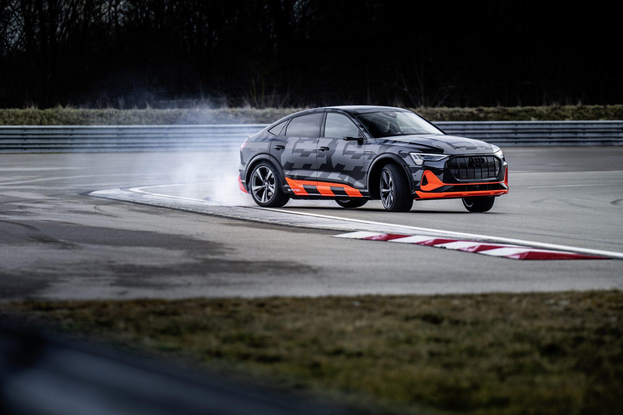 Audi e-tron S Sportback drift op circuit