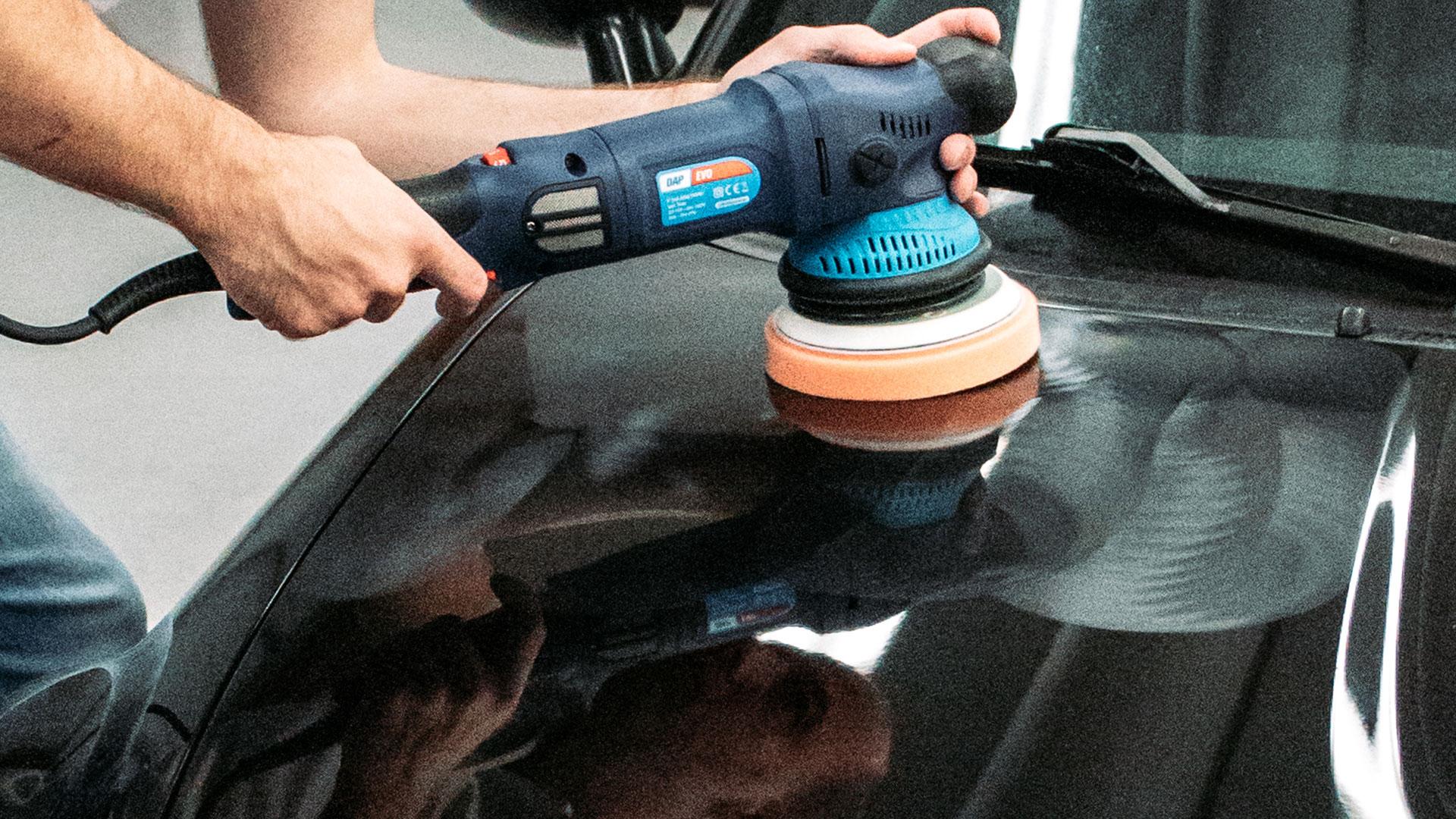 Zelf auto polijsten met medium pad
