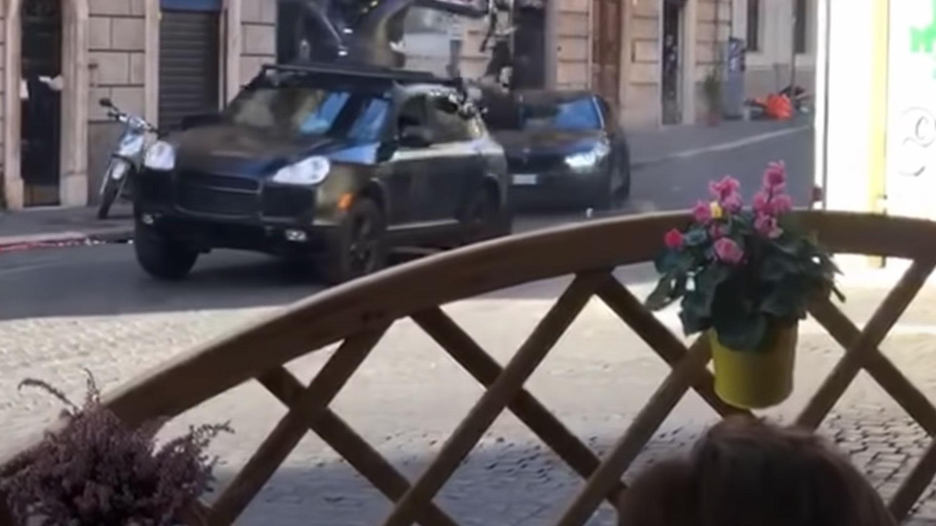 BMW M5 drift door Rome voor MI7