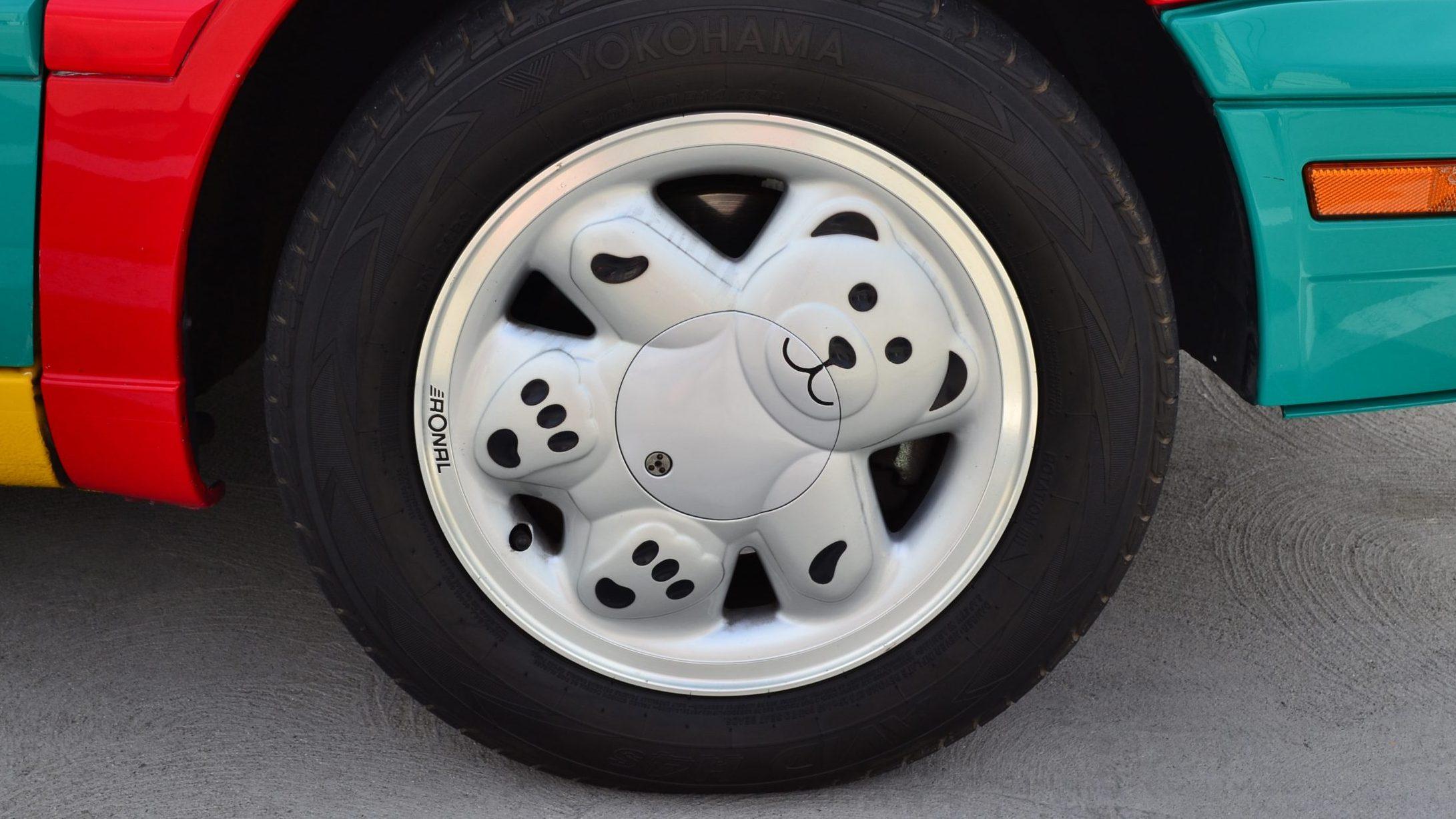 Ronal Teddy onder VW Golf III Harlequin