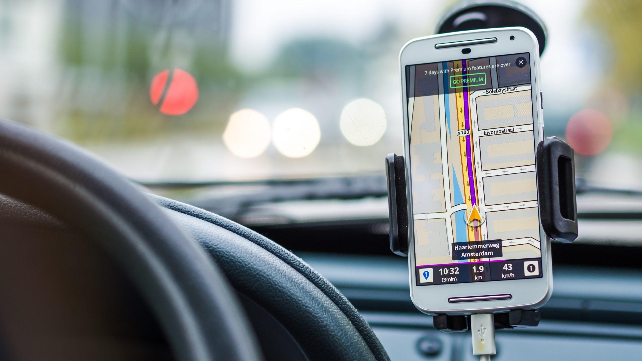 Hoeveel bereik kost het opladen van je telefoon in een EV