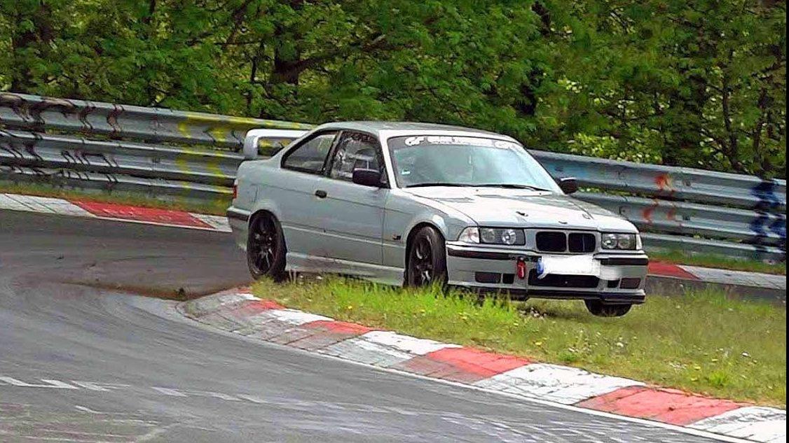 Compilatie: slechtste coureurs op de Nürburgring