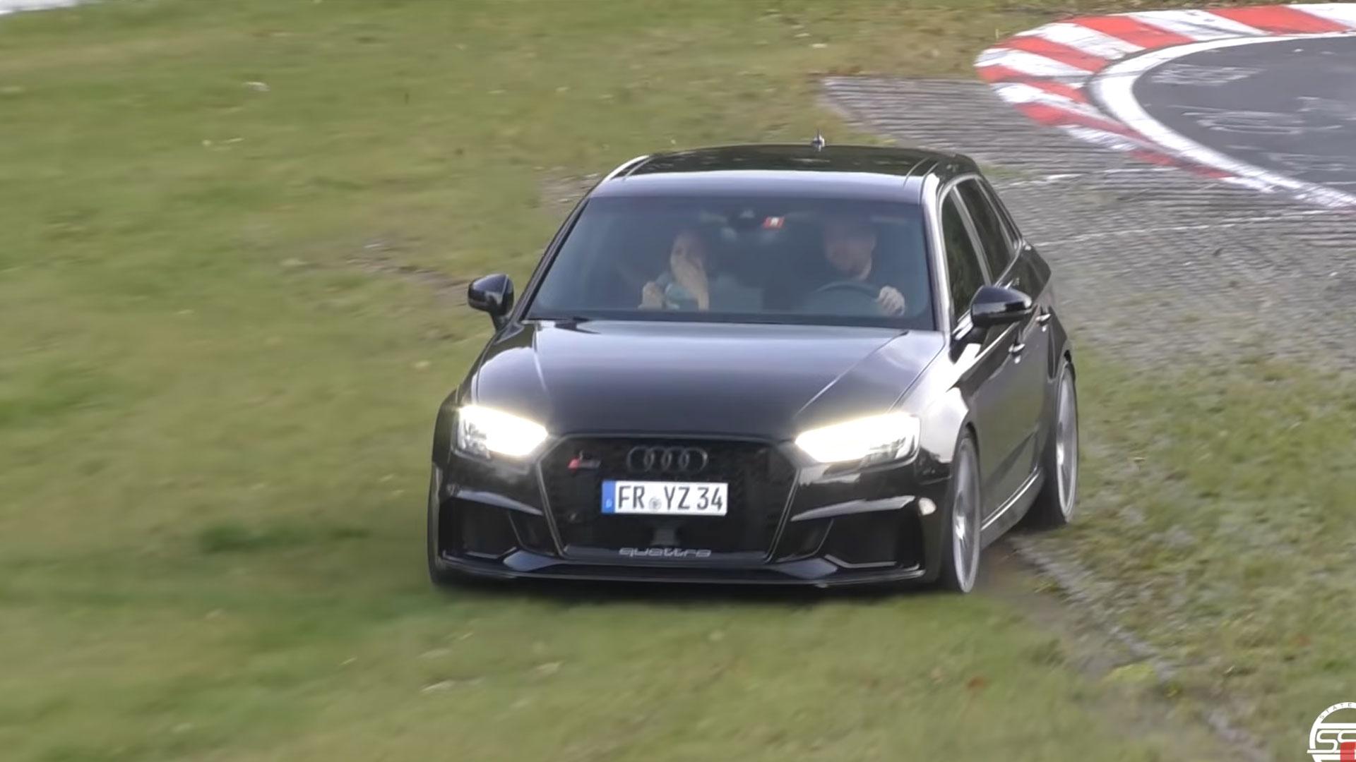 Audi RS 3 crasht bijna