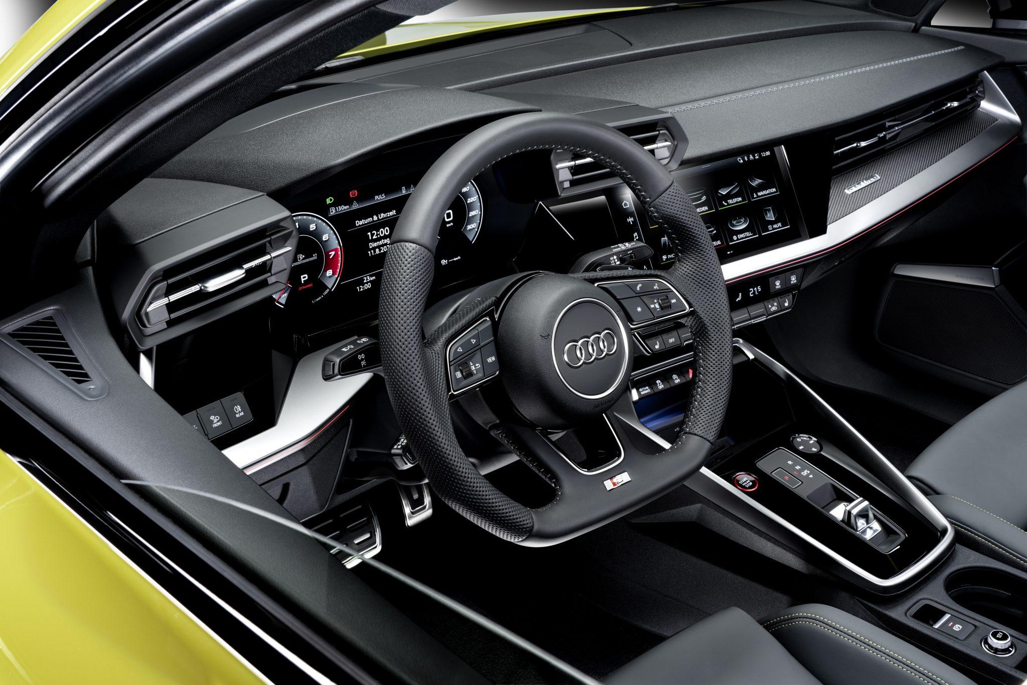 Dashboard met stiksels op de Audi S3 Sportback
