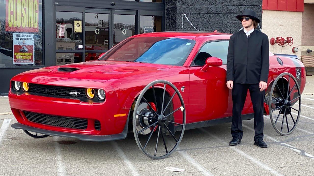 Dodge Challenger Hellcat op karrewielen