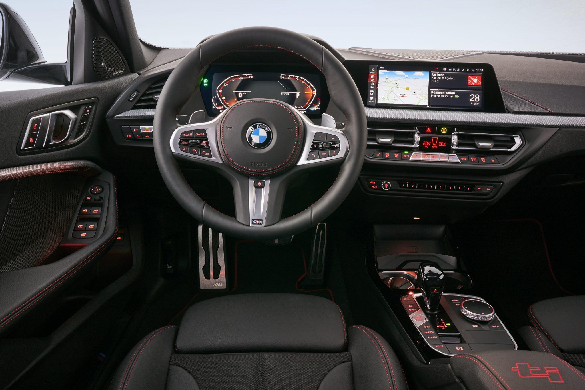 BMW 128ti interieur en dashboard