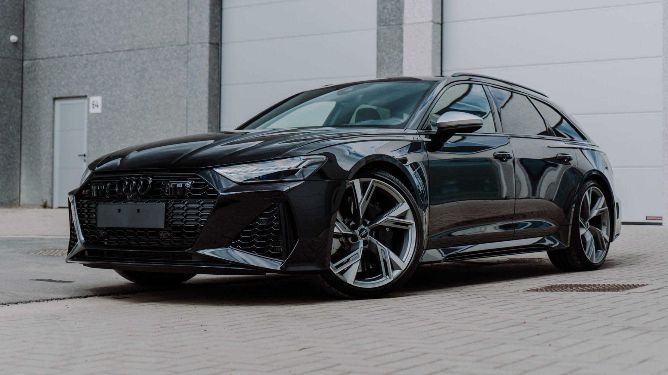 Audi RS 6 (C8) In het zwart