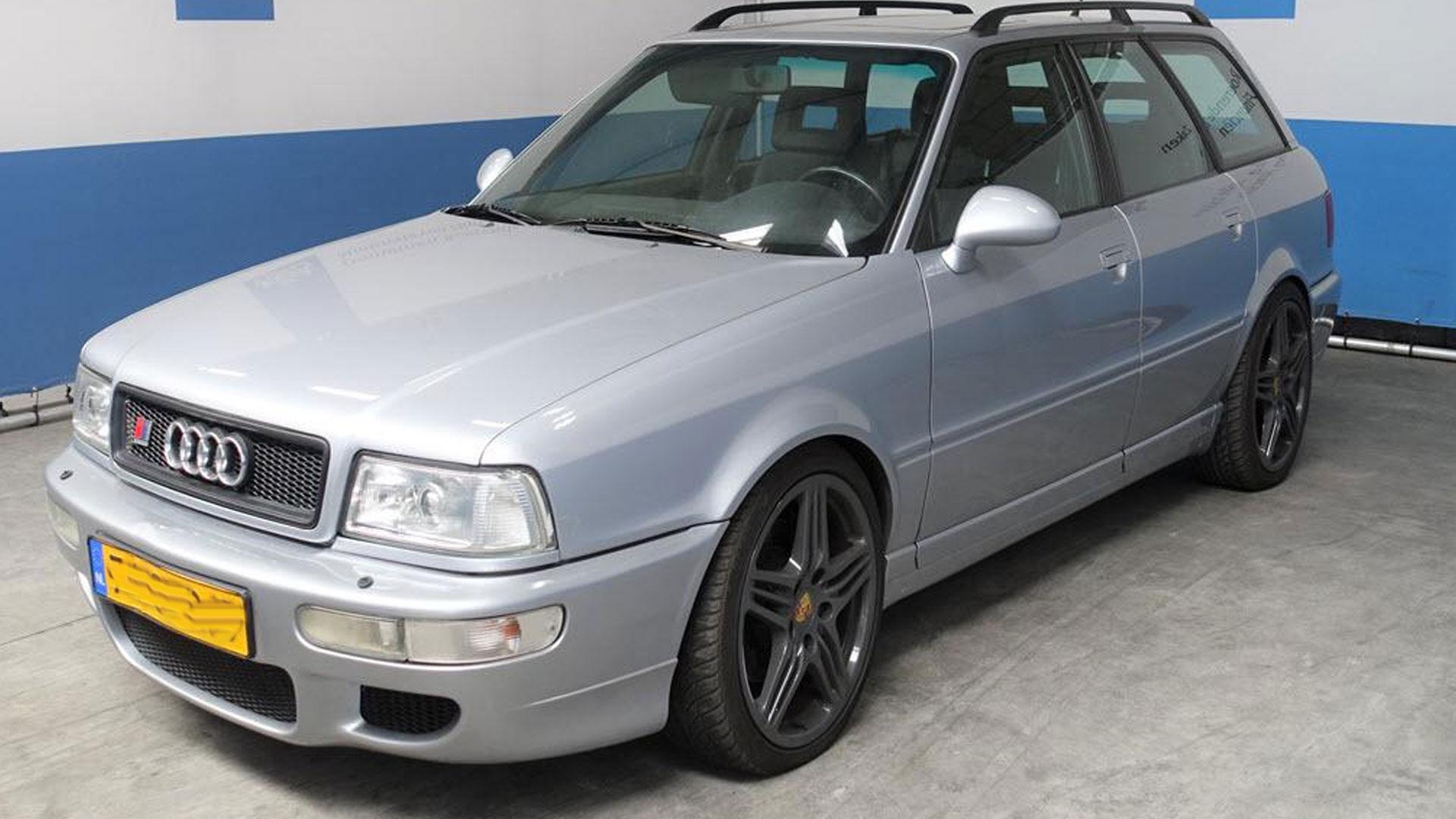 Audi RS 2 sedan