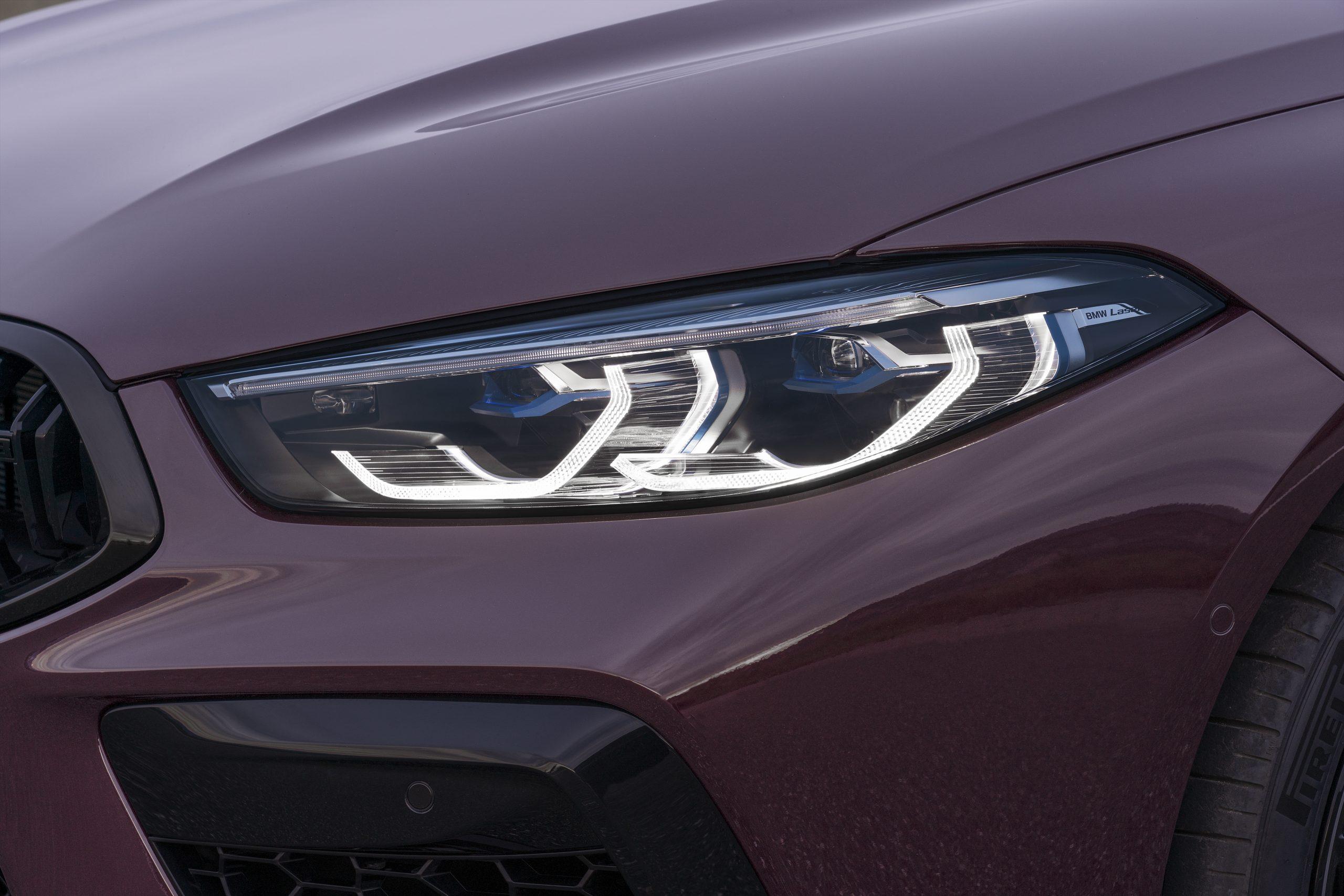 BMW schaft richtingaanwijzers af
