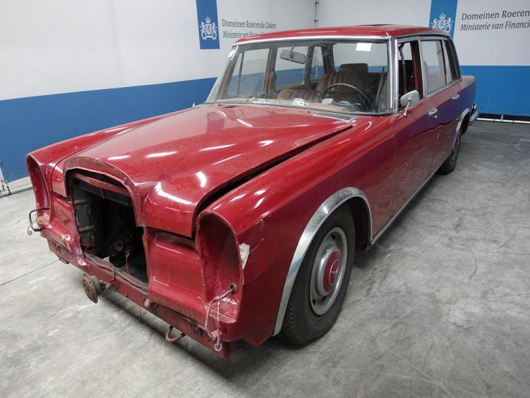Deze Mercedes 600 staat ook bij Domeinen