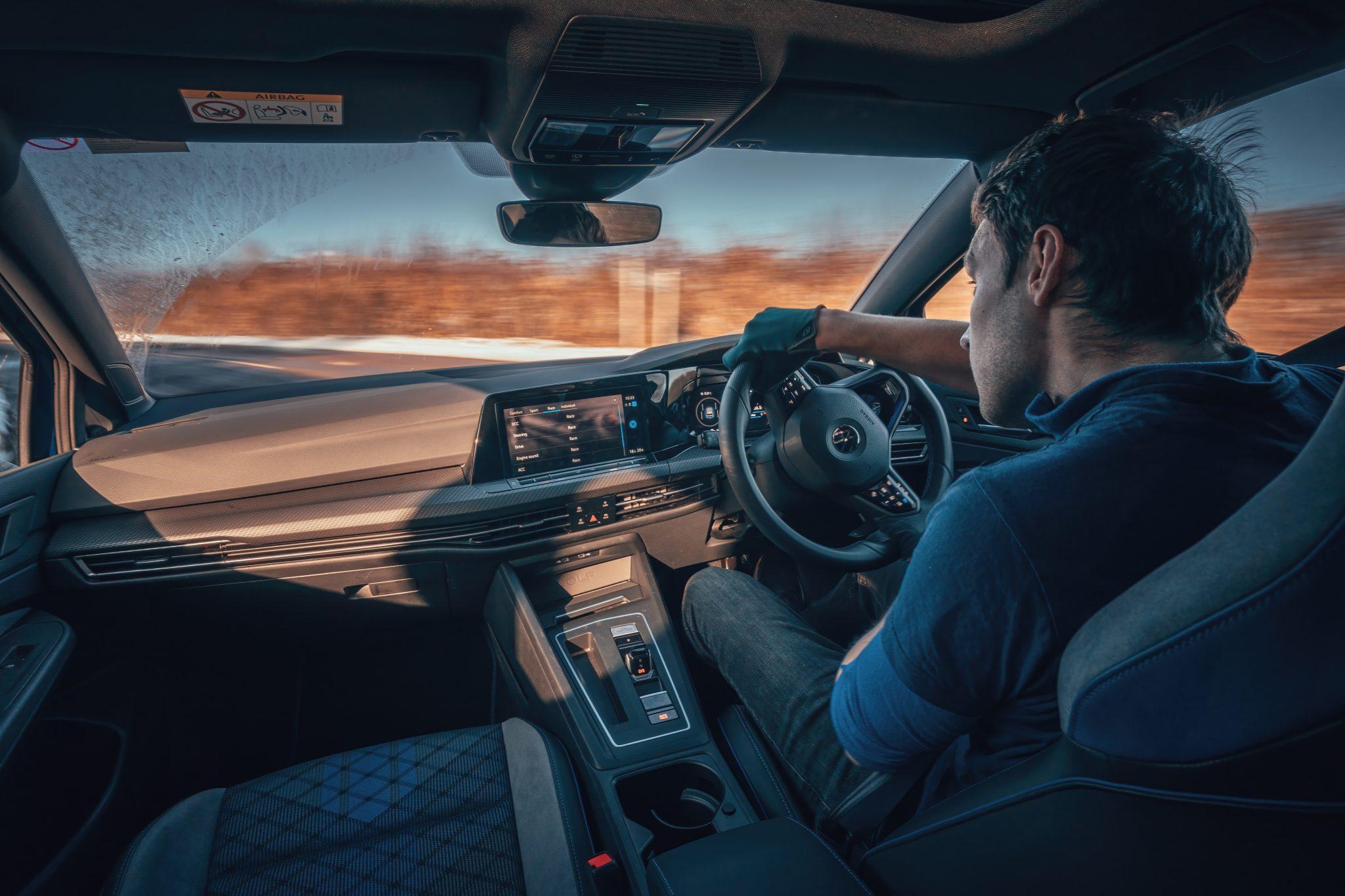Volkswagen Golf 8 R (2021) interieur