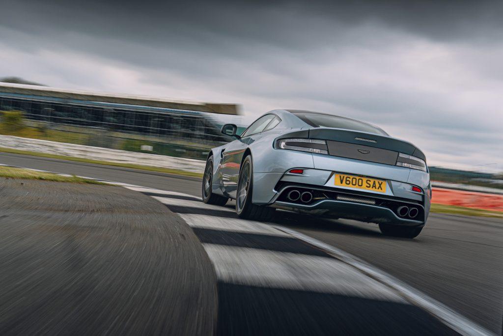 Achterkant Aston Martin Vantage V600