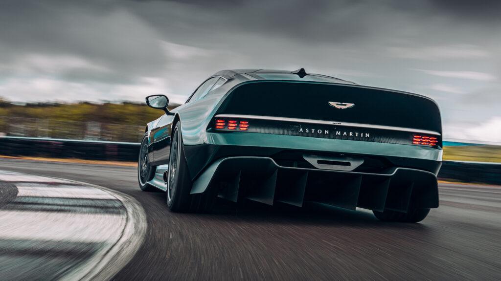 Aston Martin Victor achterkant