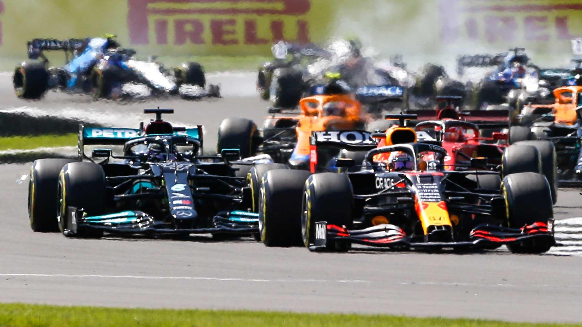 Boordradio Max Verstappen na de crash op Silverstone