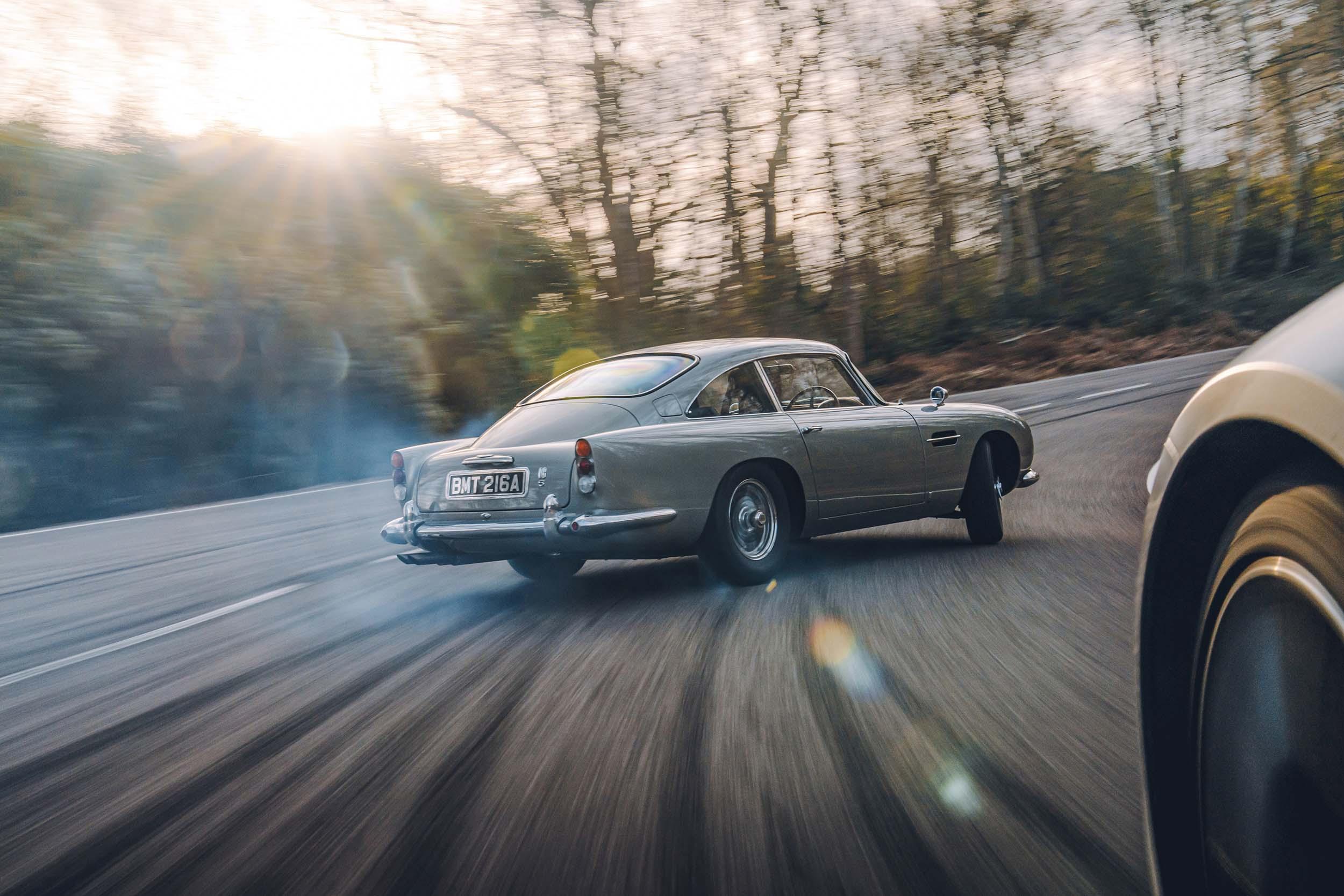 Drift Aston Martin DB5 van James Bond (007)