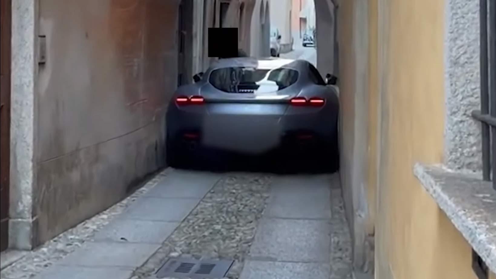 Ferrari ROma Vast