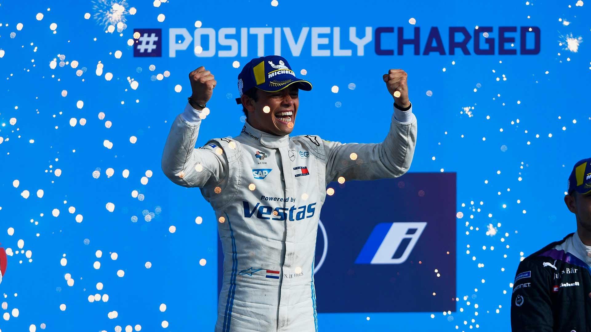 Nyck de Vries wereldkampioen Formule E voor Mercedes