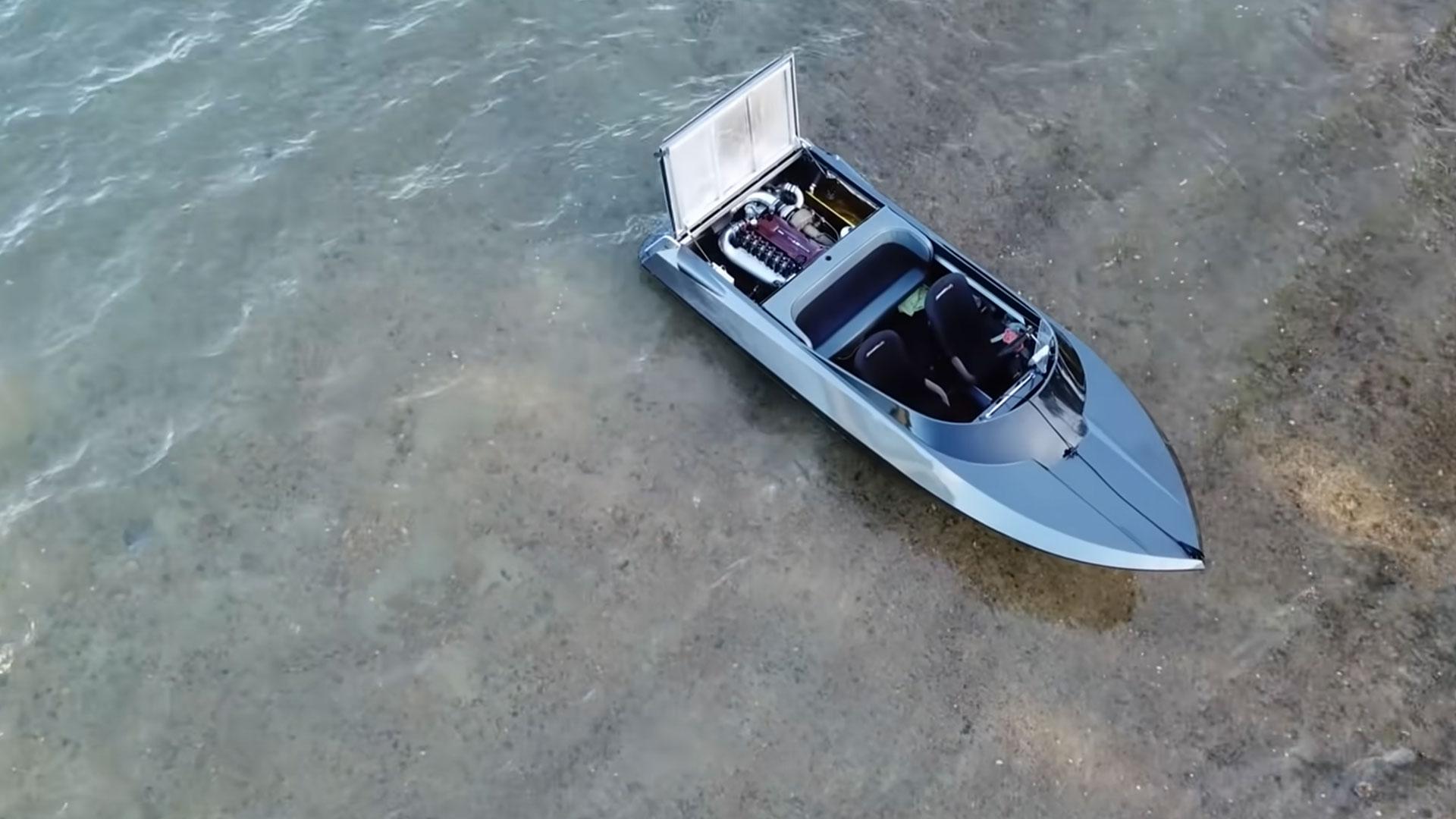 Speedboot met Nissan Skyline-motor