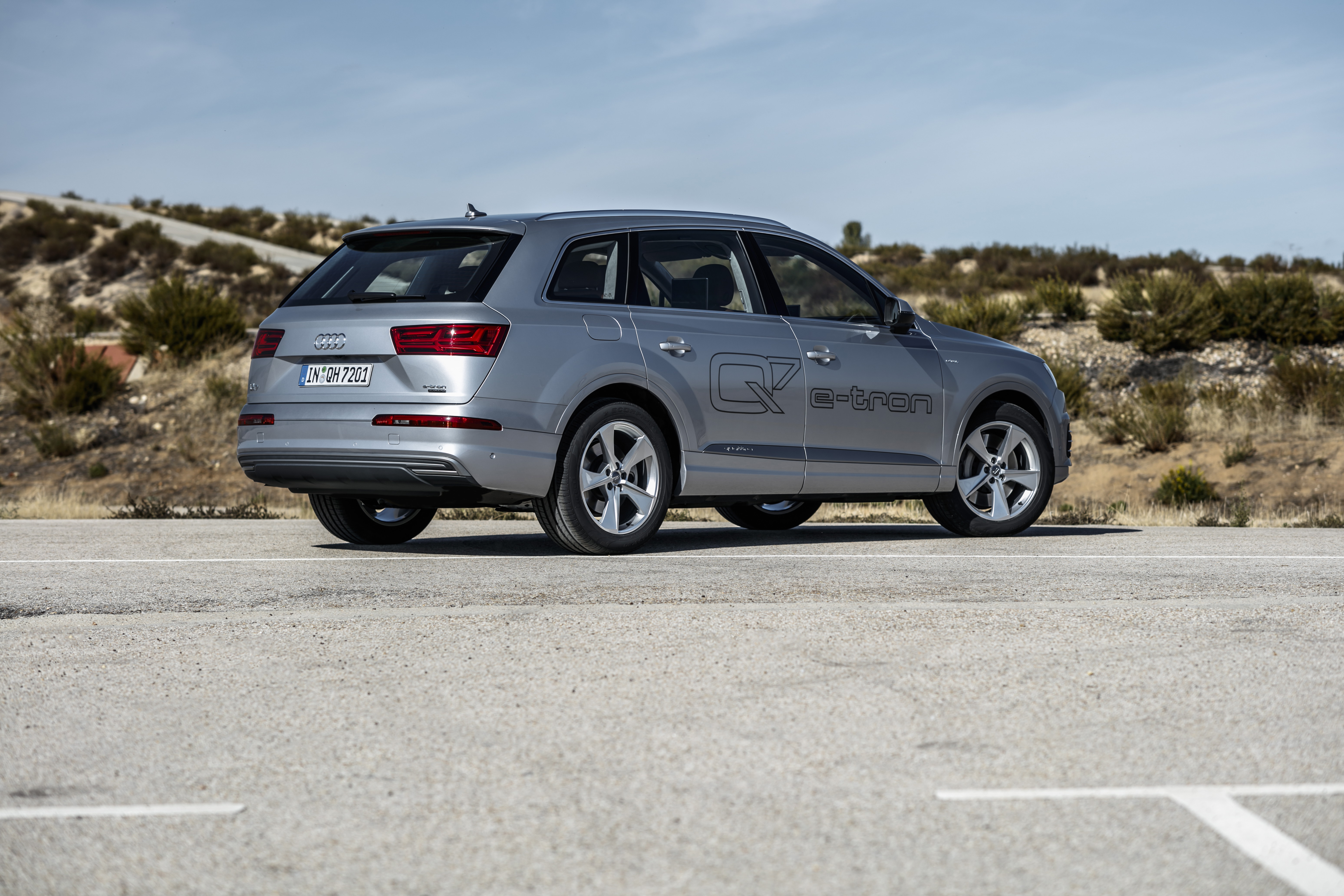 audi q7 e tron 3 0 tdi quattro autotest voorbeeldige hybride. Black Bedroom Furniture Sets. Home Design Ideas