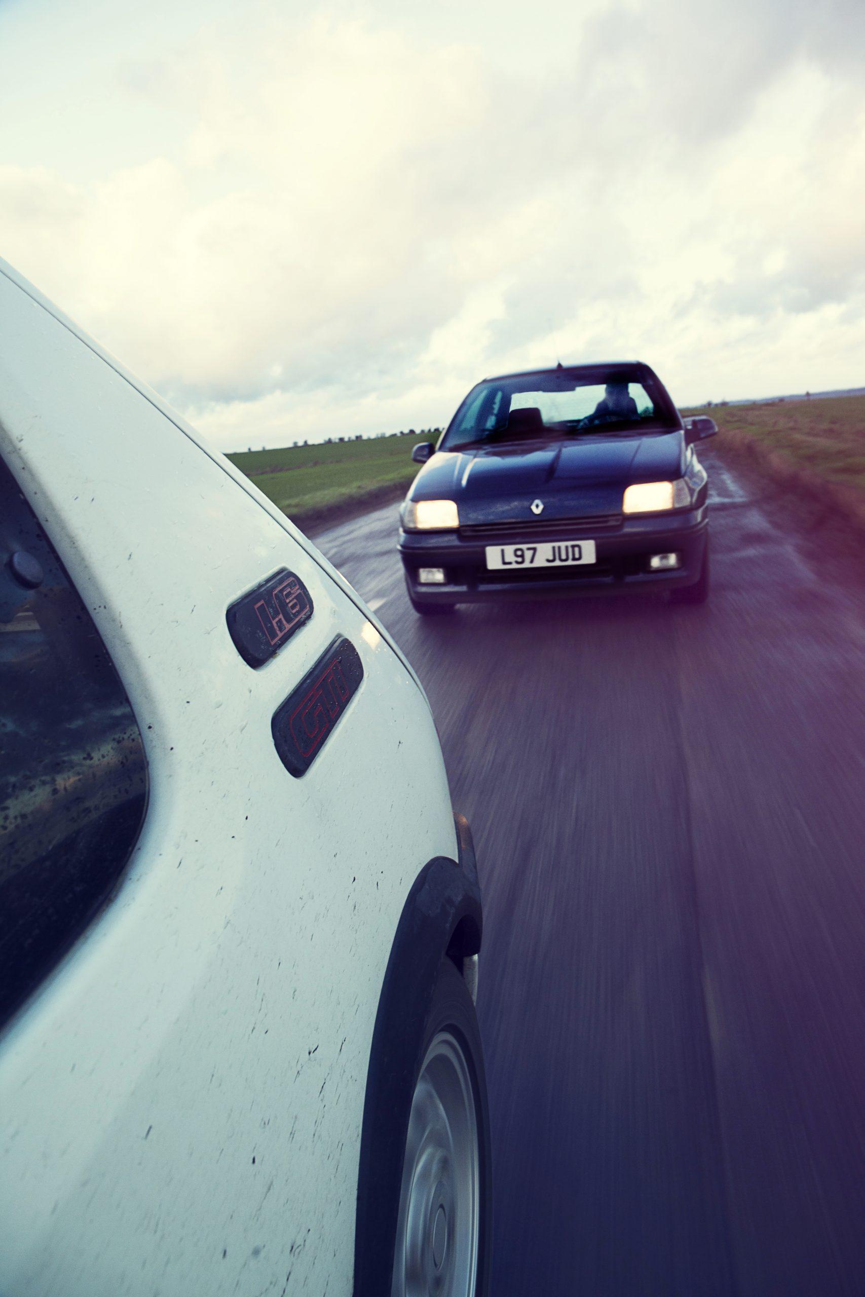 Renault Clio Williams vs Peugeot 205 GTi